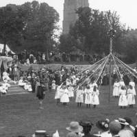 10 Eccentric English Customs, Traditions and Ceremonies — and the Stories Behind Them