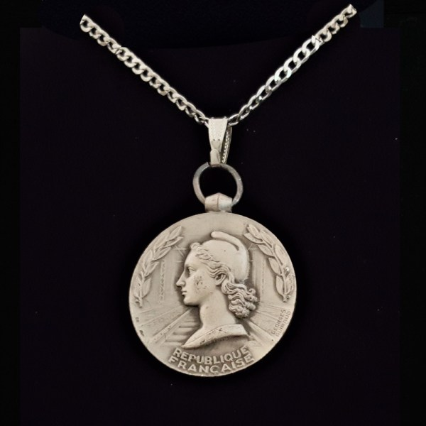 French Silver Plated 1962 French Woman Marianne by Georges Guiraud Sterling Silver Curb Chain .56 oz. 1.26 in x 32.00 x 3.00 mm 25.59 OB MOD