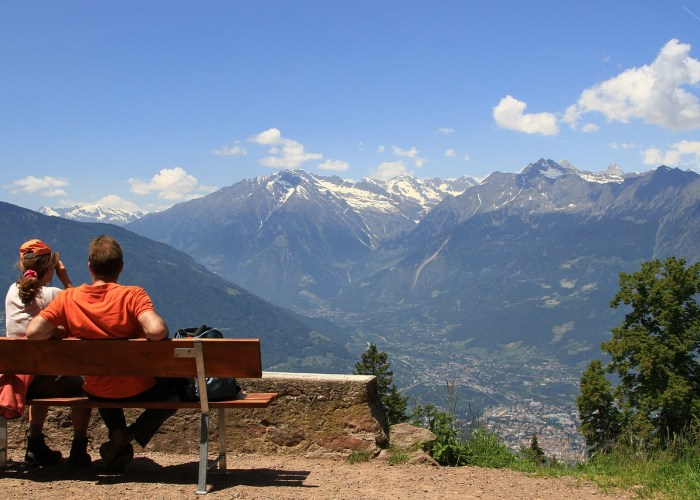 This holiday visit mountains and make it Memorable