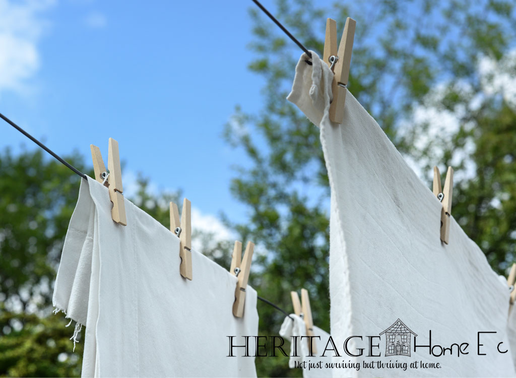 5 Reasons I Love My Clothesline- Heritage Home Ec I love my clothesline. Not that I love doing laundry, but how many of us do? Something about it just makes me happy. Get inspired to love yours too! | Home Economics | Home Ec | Homemaking | Laundry |