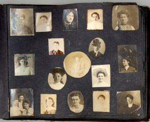 Unknown people in a photo album probably owned by Bess Dorothy Green, p.17.