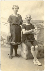 John & Fannie Broida at the Beach, probably after 1904.