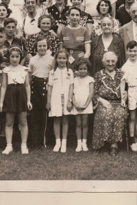 Fourth Annual Broida Family Reunion, July 11, 1937. Youngstown, Ohio. #5A