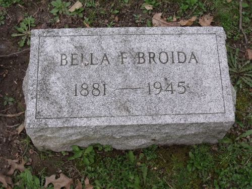 "Isabella ""Bella"" Friedberg Broida headstone in West View cemetery, Pittsburgh, Pennsylvania, Section B, Lot 55. Image courtesy of a FAG volunteer and posted with permission."