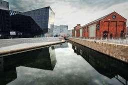 Historic harbor town LiverpoolHistorische Hafenstadt Liverpool (Autor: Roberto Taddeo, Quelle: https://www.flickr.com/photos/robertotaddeo/8878151373/, Lizenz: https://creativecommons.org/licenses/by/2.0/)