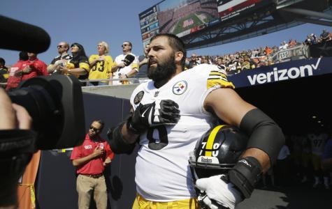 Steelers' Alejandro Villanueva Stands Alone for National Anthem