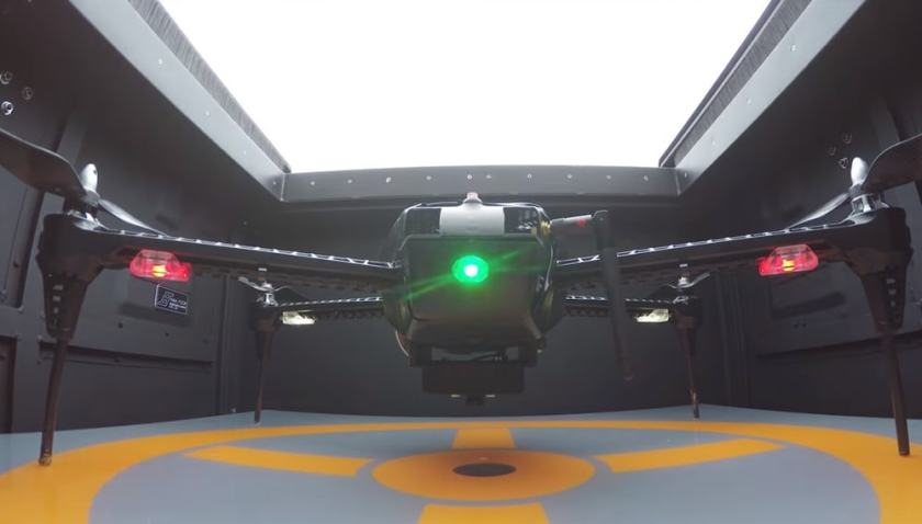 Quadcopter in dronebox