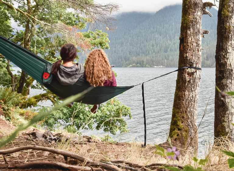 Hammock camping north cascades national park ultimate guide. | HerLifeAventures.Blog | #traveldestinations #northcascadeshighway #northamericatravel #hiking #camping #usdestinations #travelhacks #travelguide #adventuretravel #roadtrip #nationalpark #nationalparkroadtrip #northcascades #washington