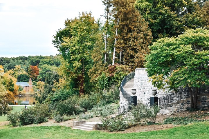 Cranbrook Botanical Gardens are located in Birmingham, Michigan as a registered Historic National Landmark filled with amazing history. #cranbrook #michigan #thingstodo #traveldestinations