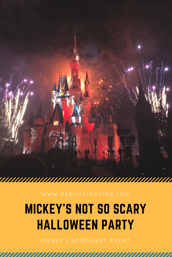 Mickey's Not So Scary Halloween Party | www.herlifeinruins.com