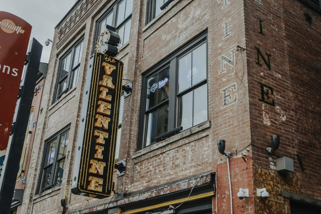 The Valentine | The Ultimate Guide to Nashville's Lower Broadway | Her Life in Ruins