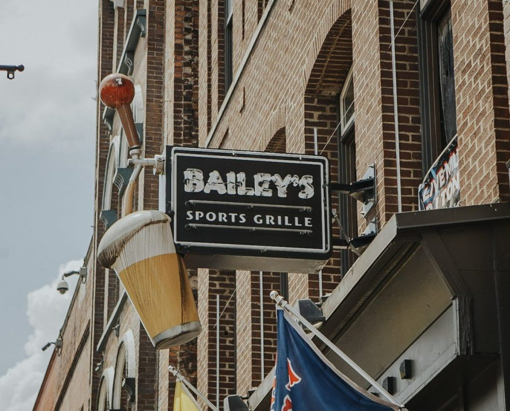 Bailey's Sports Grille | The Ultimate Guide to Nashville's Lower Broadway | Her Life in Ruins