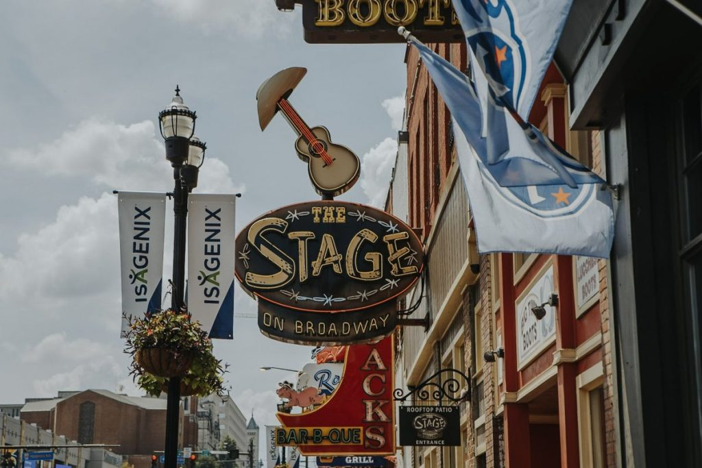 The Stage | The Ultimate Guide to Nashville's Lower Broadway | Her Life in Ruins
