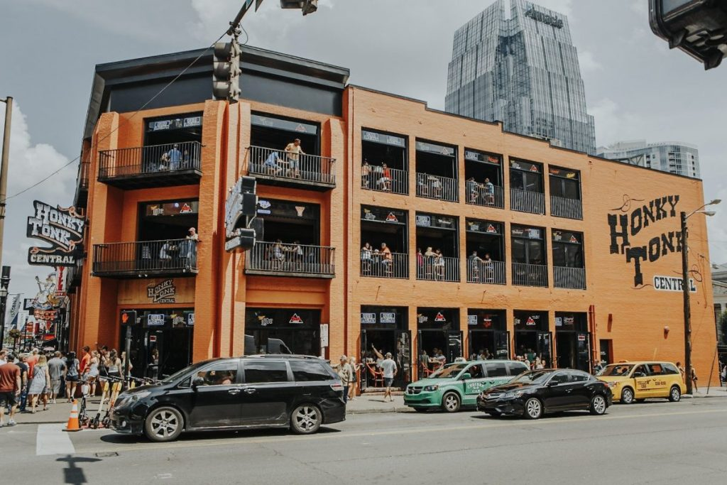 Honky Tonk Central | The Ultimate Guide to Nashville's Lower Broadway | Her Life in Ruins