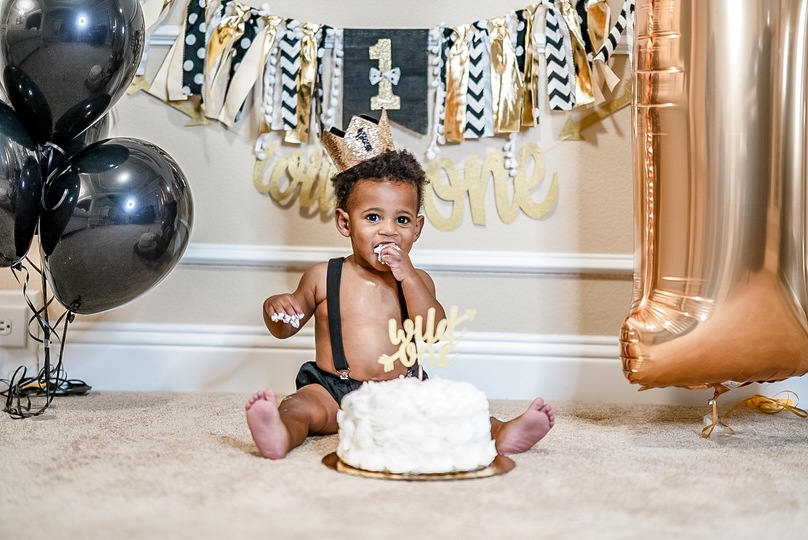 DIY Smash Cake Photoshoot