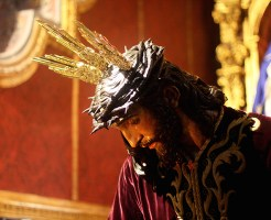 BESAMANOS JESUS 015