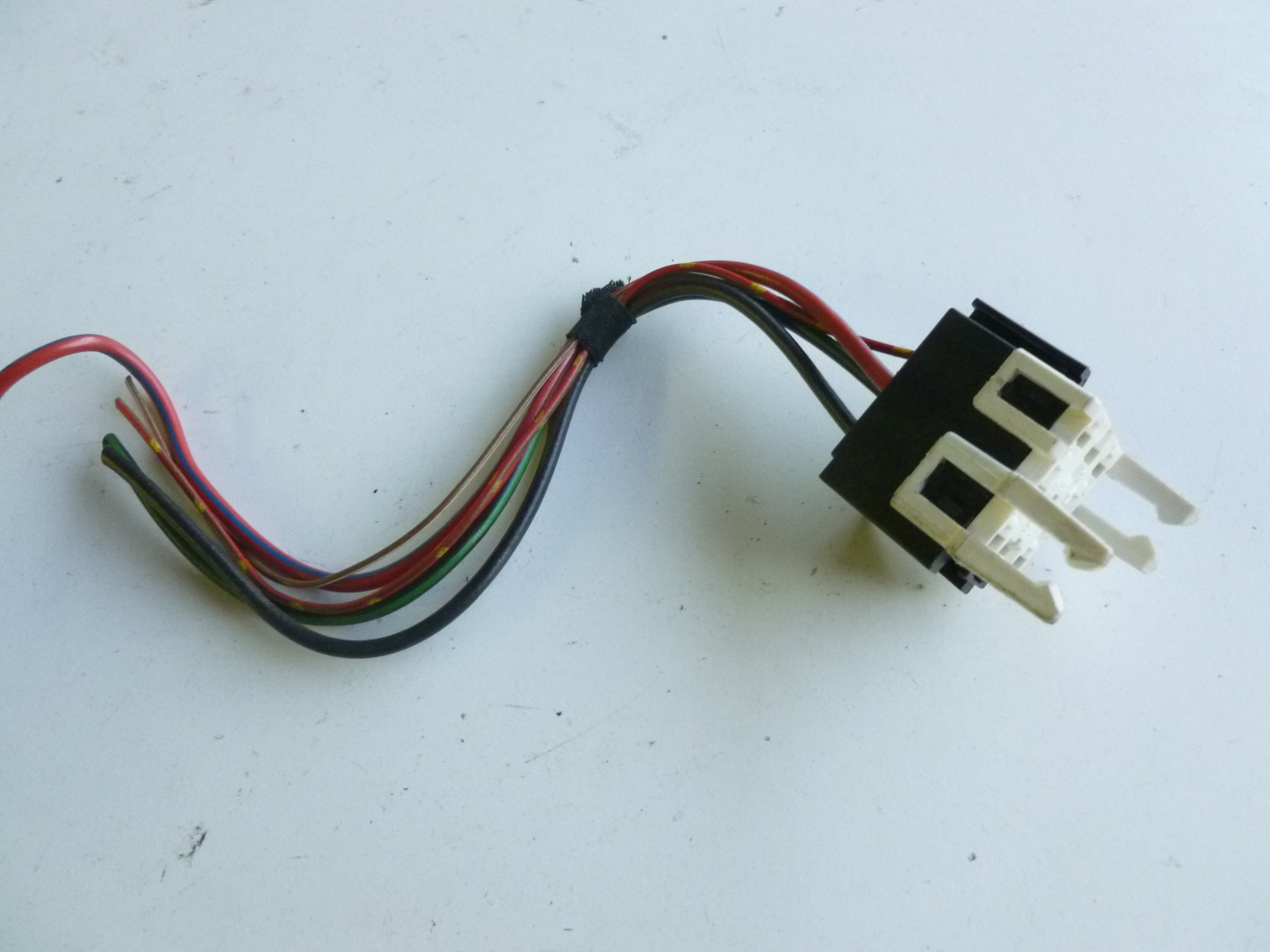 hight resolution of image is loading bmw e39 white relay holder connector w pigtail