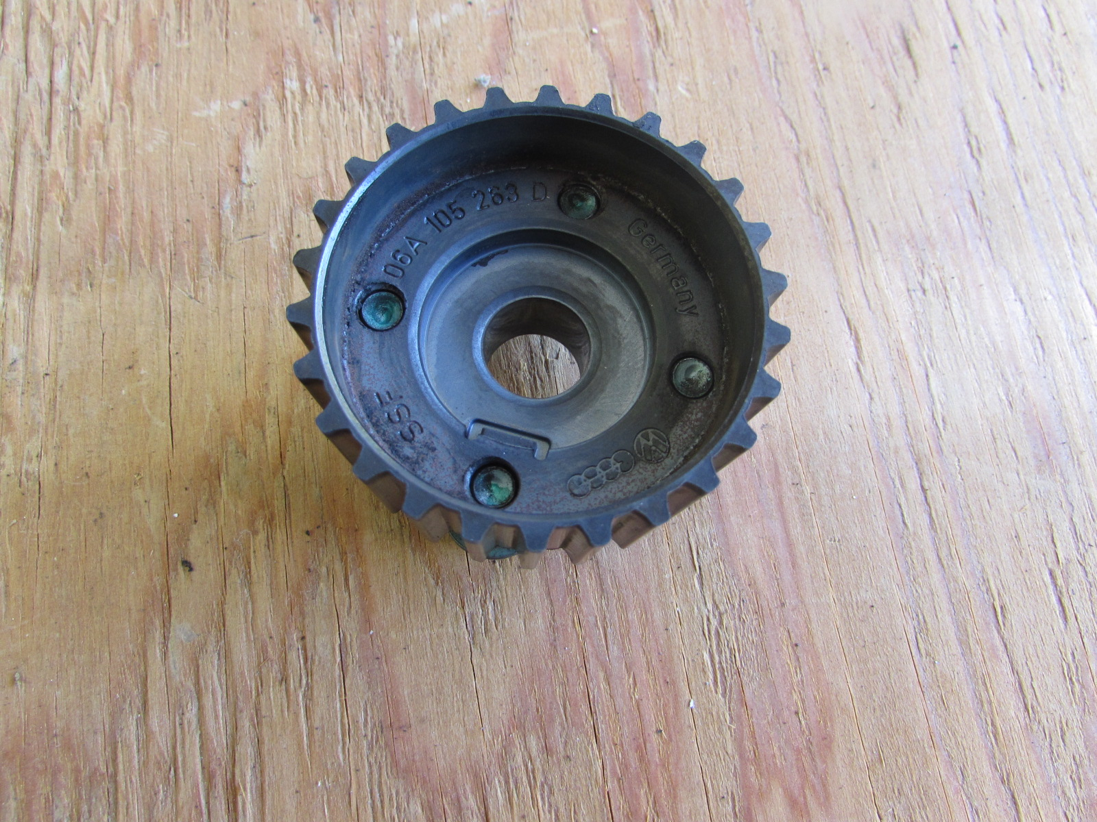 hight resolution of audi tt mk1 8n crank timing belt gear toothed pulley 06a105263d2