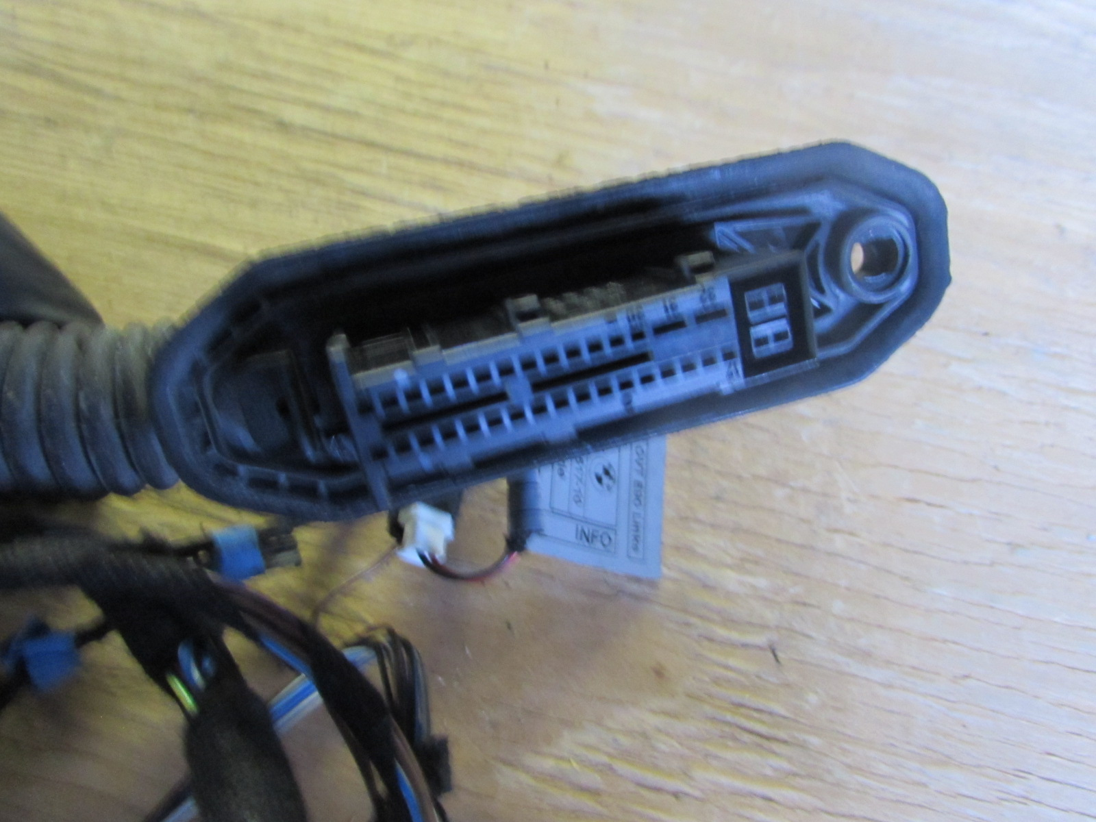 hight resolution of bmw door wiring harness front left 61126938215 e90 e91 323i 325i 328i 330i 335i m3