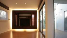 間接照明のテレビボード