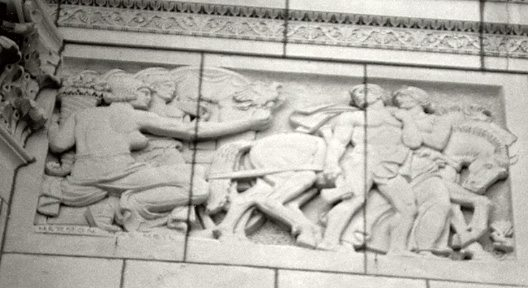 Allegorical frieze, Missouri Speeding the Western Pioneer by Hermon MacNeil.