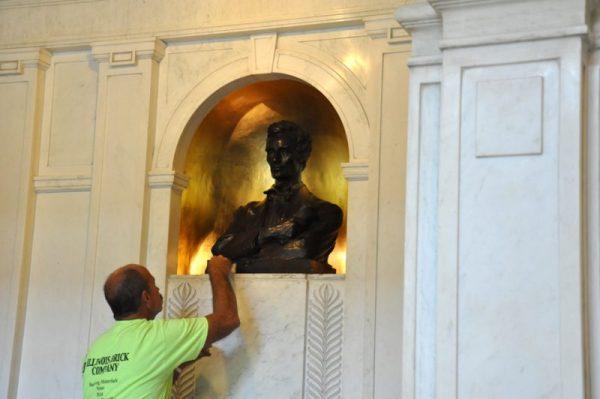 HAM-Lincoln-bust-plaster-full