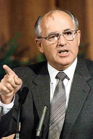 POEMA 36 - Chernóbil (1986) | Hernán Urbina Joiro