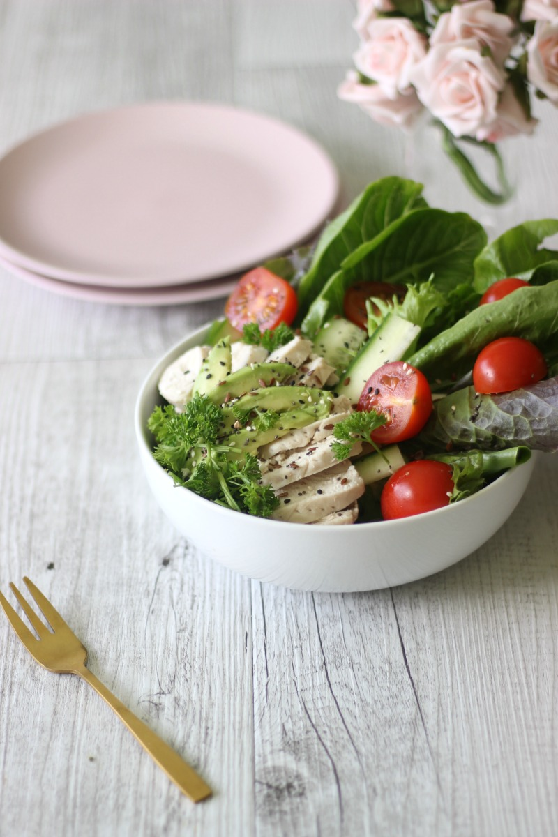 When you're a busy mum you NEED dinner to be on the table quick-smart. This healthy and simple chicken salad will be every mum's best-friend.