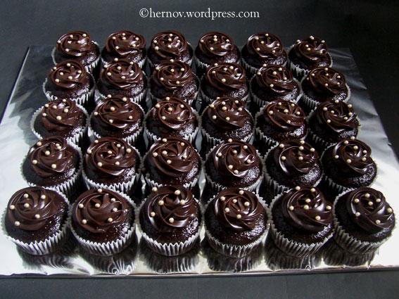 Irma's-MCG-Minicupcakes-01
