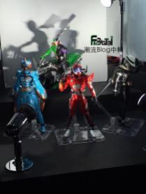 tamashii-nations-2016-s-h-figuarts-shinkochu-seihou-double-characters