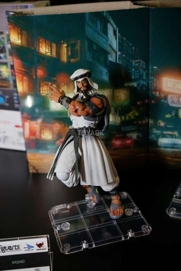 new-york-toy-fair-2017-bluefin-s-h-figuarts-street-fighter-rashid-5