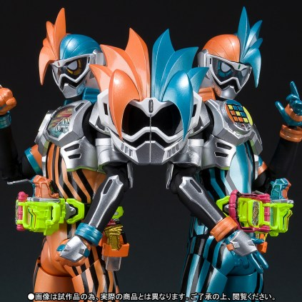Premium Bandai S.H.Figuarts Kamen Rider Ex-Aid Double Action Gamer Level XX LR Set