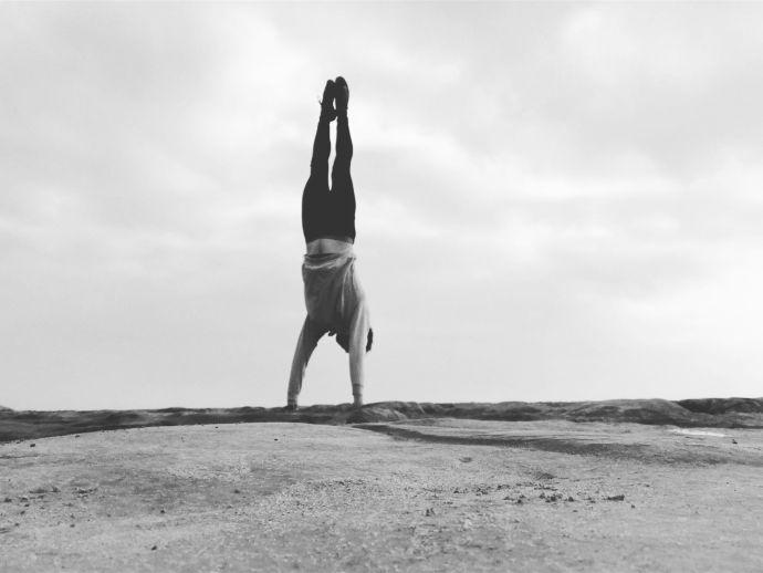 Luke Jones Move Handstand Movement Training
