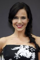 julie-benz-at-defiance-photocall-at-2014-monte-carlo-tv-festival_1