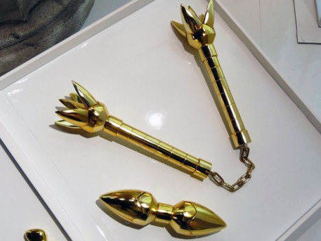 Armaduras dos Cavaleiros do Zodiaco em tamanho real Libra encaixada barra dupla