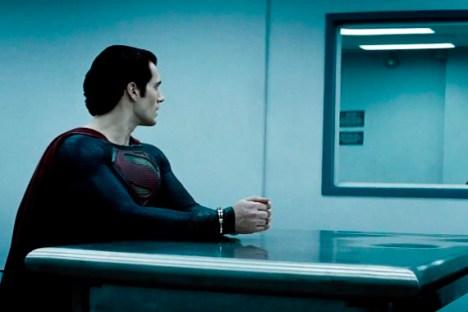 homem de aço na prisão superman