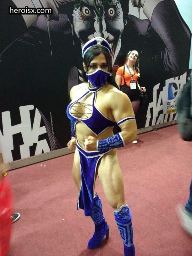 Kitana versão musculosa estilo MK9