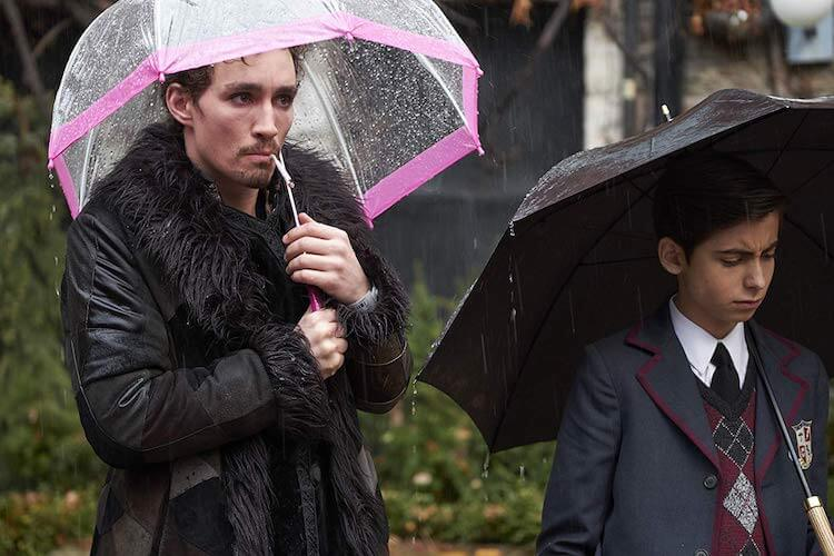 Robert Sheehan, Aidan Gallagher - The Umbrella Academy by Netflix