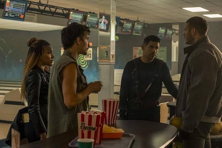 The Umbrella Academy Netflix starring Robert Sheehan, Tom Hopper, David Castañeda, Emmy Raver-Lampman
