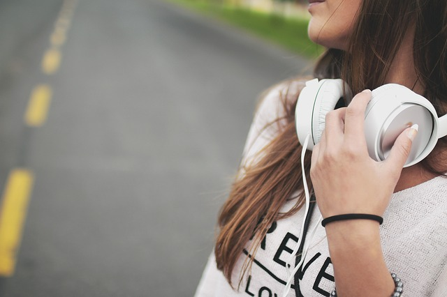 The Five Podcasts Every Successful Woman Must Listen To