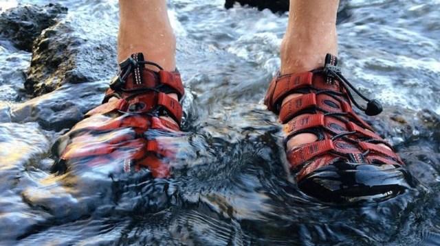 l'aquashoe, la chaussure aquatique qui protège vos pieds des bobos dans l'eau