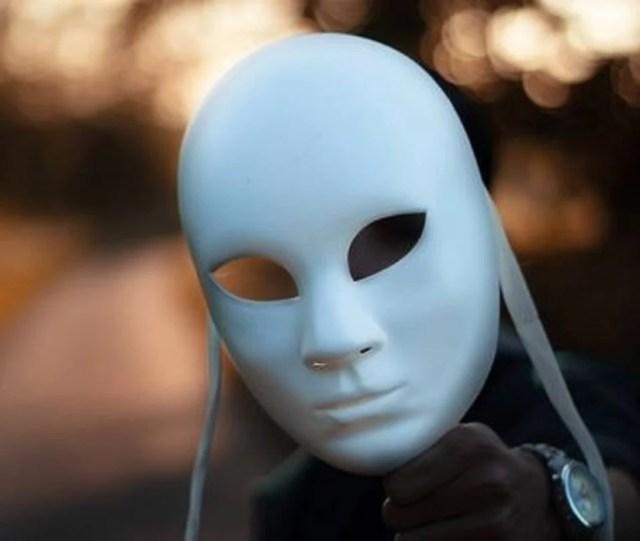 envoyer un sms masqué : comment transmettre un message caché