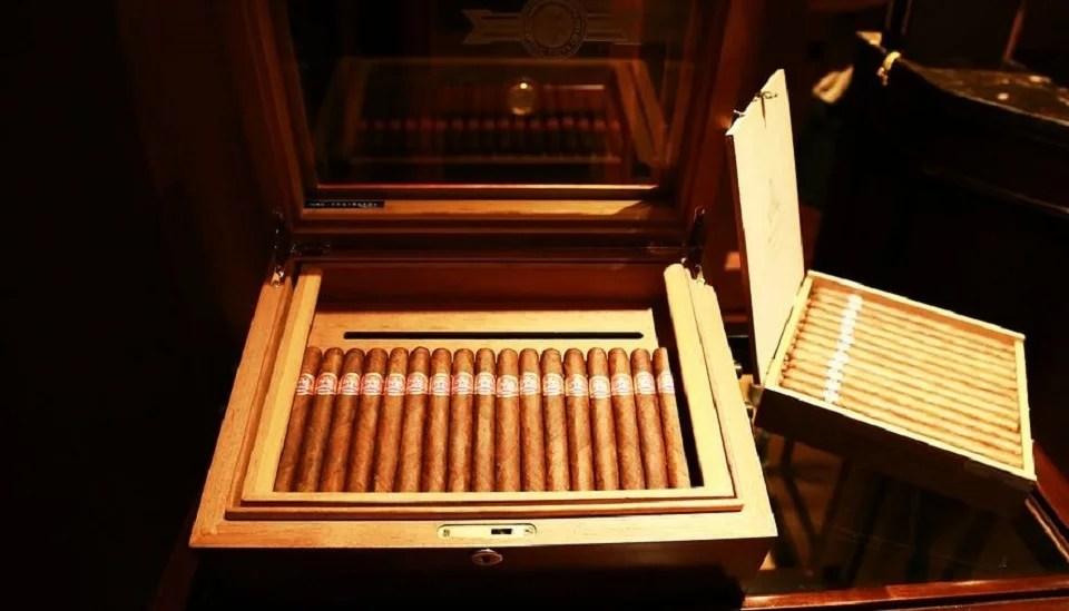 cave à cigares bien ordonnée
