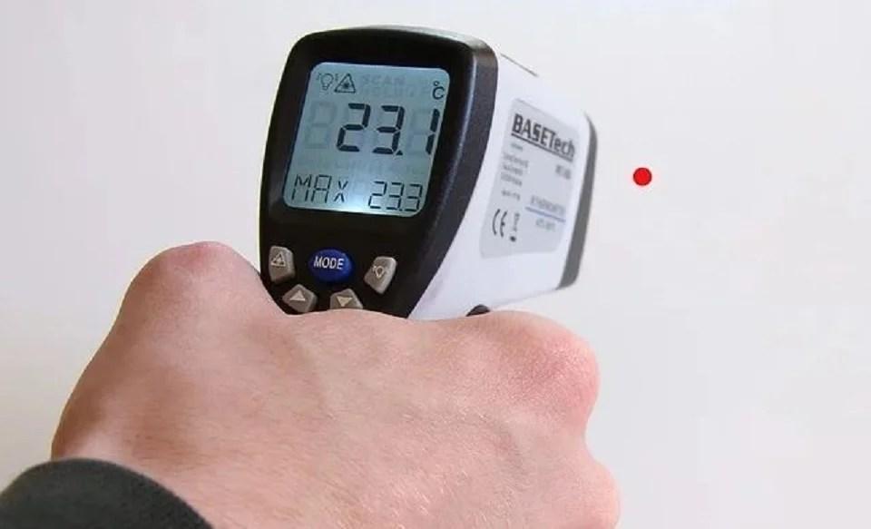 thermomètre frontal et technologie