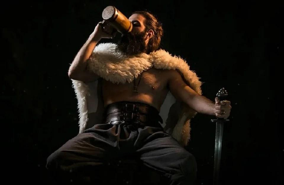 collier viking homme symbole de puissance du jarl scandinave