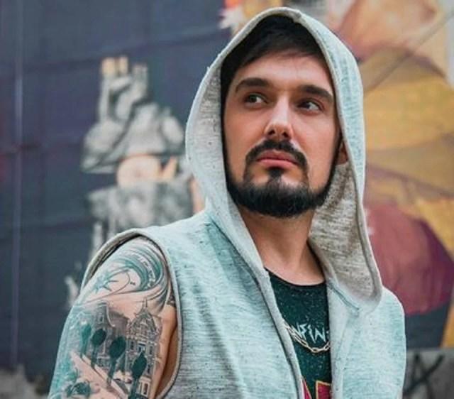 Marcel hoodie, le débardeur à capuche des hommes rebelles