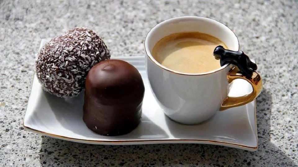 Accord chocolat-café : comment massocier les saveurs du cacao et du caoua