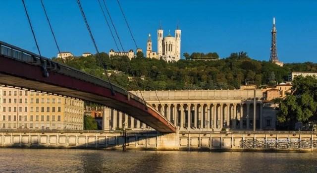 Lyon, départ d'une magnifique croisière fluviale sur le Rhône