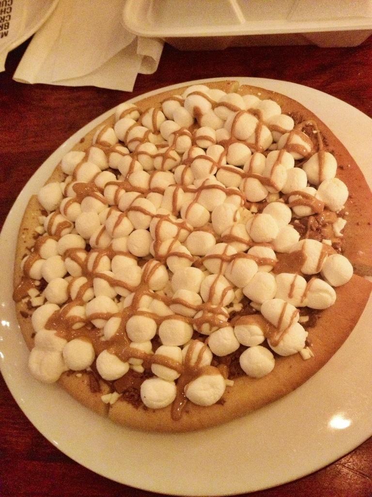 Max Brenner Marshmellow & Chocolate Chunks Pizza
