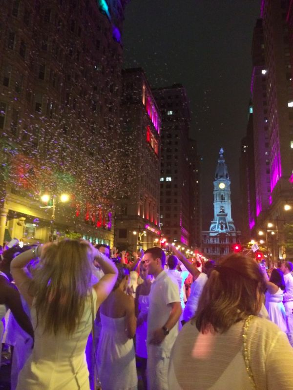 What is Diner en Blanc? // Her Philly